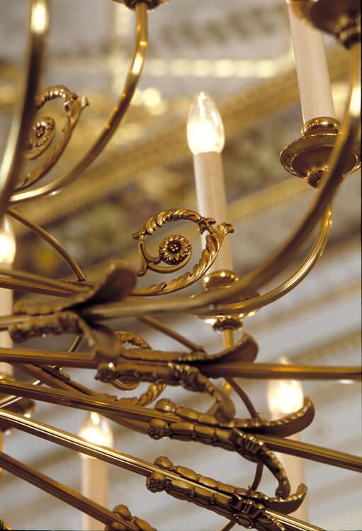 Deckenleuchte Windenblüte 16 + 8-lampig // Leuchten Manufactur Wurzen